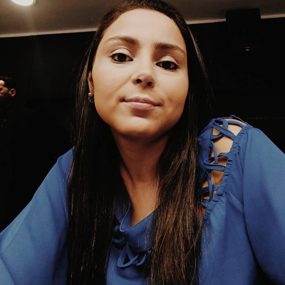 Ana Eliza Oliveira