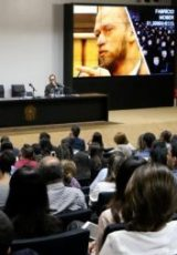 Imagem de um auditório onde aconteceu o seminário de comunicação de mandato e o tema mobilização política foi abordado pelo palestrante Fabrício Moser